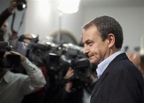 Zapatero anuncia por sorpresa que dará la cara ante la prensa