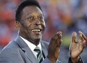 El insensible Pelé dice que 'es normal' que mueran operarios en las obras del Mundial 2014 y le preocupan más las infraestructuras