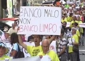 Bruselas niega que esté negociando con España una solución a las preferentes bancarias