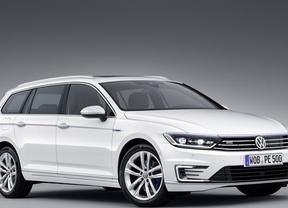 Volkswagen estrena el nuevo Passat GTE, con propulsión híbrida enchufable para los berlina y Variant