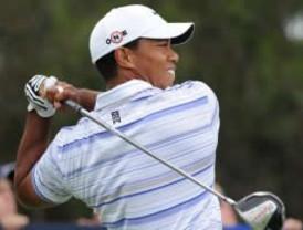 Tiger Woods mantiene el liderato en la clasificación mundial del golf
