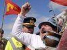 Los asambleístas llevaron pacíficamente su protesta al Uruguay