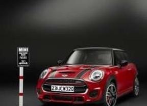 Mini lanza la versión John Cooper Works, que refuerza la sensación de conducir un coche de carreras
