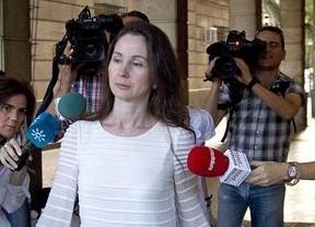La juez Alaya consigue entrar en la Sala de la Audiencia de Sevilla que decidirá sobre los recursos de los ERE