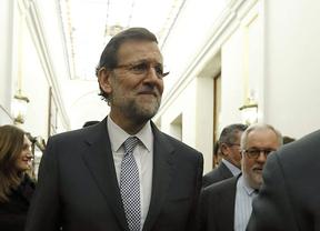 Rajoy da las 'gracias a los españoles' por sus esfuerzos y dice que 'ya las cosas están un poco mejor'