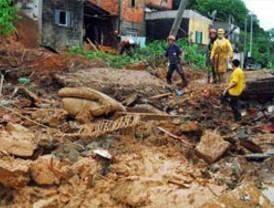 Temporal deja más de 600 muertos en Río de Janeiro