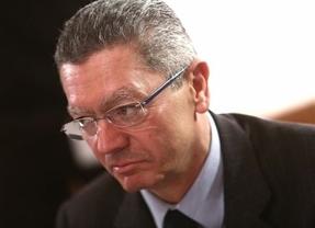 El ministro Gallardón se rompe dos costillas en un accidente doméstico