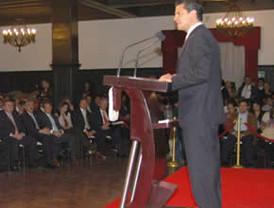 Evo inició el año con reclamo y crítica a Alan García