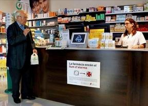 Las farmacias catalanas se rebelan contra el impago y convocan un