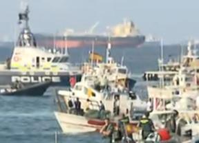 Los pescadores acaban su protesta reivindicando las aguas donde llevan