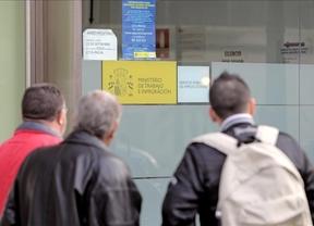El Gobierno responde a Floriano salvando los 400 euros de subsidio y subiéndolos a 450