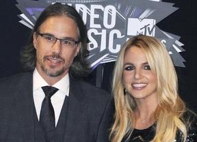 Britney Spears se 'lanza a la piscina' y se compromete con Jason Trawick