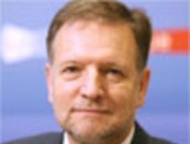 Presidente García llama la atención públicamente a Ministro de Defensa Allan Wagner