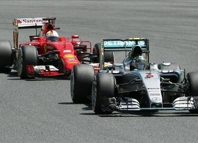 Rosberg se estrena en el Mundial en el tercer doblete de Mercedes