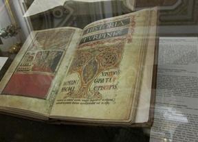 El Códice Calixtino llega a la Catedral de Santiago de la mano de Mariano Rajoy