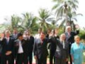 El príncipe Felipe se reúne con representantes de la sociedad nicaragüense