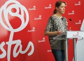 El PSOE acusa a Cospedal de percibir como senadora una asignación por vivir fuera de Madrid cuando residía allí