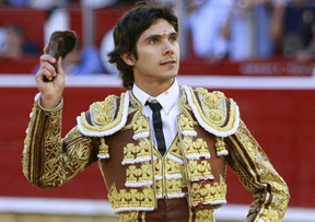Feria de Albacete: detalles de Morante, orejita a Castella y tomadura de pelo general