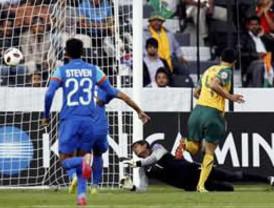 Australia goleó esforzarse 4-0 a una débil selección india