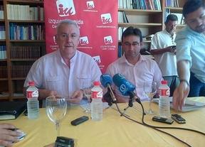 Cayo Lara cree que la reducción de diputados en las Cortes puede