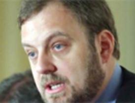 Mayor Oreja quiere que la Eurocámara revoque su apoyo al proceso de paz