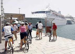 Uno de cada cuatro turistas planifica su viaje utilizando redes sociales