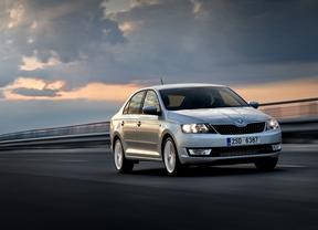Las ventas de coches superarán las 860.000 unidades en 2015 con un PIVE hasta mitad de año