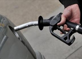 Los precios de la gasolina y del gasóleo se abaratan casi un 3% en vísperas de la semana de Navidad