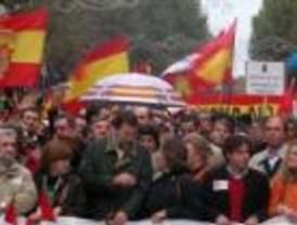 Multitudinaria manifestación de la AVT anti ZP