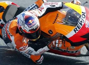 Stoner consigue la pole en el circuito de Montmeló