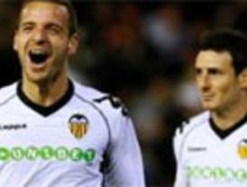 El Valencia gana fácil el duelo regional al Hércules y pone a tiro al submarino (2-0)