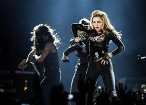 Madonna muestra en un concierto a Marine Le Pen como una nazi y acaba denunciada