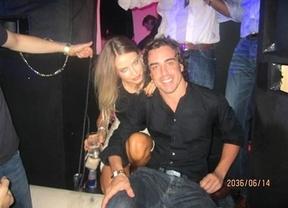 ¿Ha cambiado Fernando Alonso a su morena por una rubia?