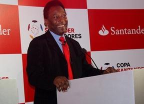 Pelé renueva como embajador de Banco Santander hasta los Juegos Olímpicos de 2016