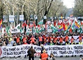 Las 'Marchas por la Dignidad' se funden en un solo bloque multitudinario que avanza ya por el centro de Madrid