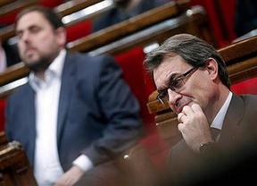 El nuevo chantaje Esquerra pone en jaque a Artur Mas: o una consulta con pregunta independentista o se movilizará en la calle