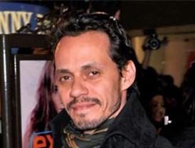 Carlos Orvañanos entregó apoyos sociales a los cuajimalpenses que más lo necesitan