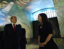 FCH y Fernández inauguran mural de Siqueiros