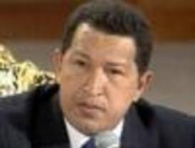 Chávez anuncia revocación de señal a canal de TV