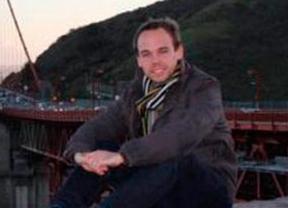 Accidente de Germanwings: la investigación confirma que el copiloto, el joven alemán Andreas Lubitz, accionó el descenso voluntariamente y el piloto no pudo entrar a la cabina a impedirlo