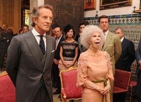 La Duquesa de Alba da su tercer sí quiero de 'rosado Lucchino'