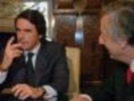 Aznar recomendó estrechar los lazos con los Estados Unidos