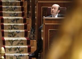 Rubalcaba reprocha a Rajoy no haber presentado antes los Presupuestos para ablandar a Europa