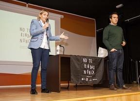 El paralímpico Enrique Floriano transmite motivación a jóvenes toledanos para vencer obstáculos