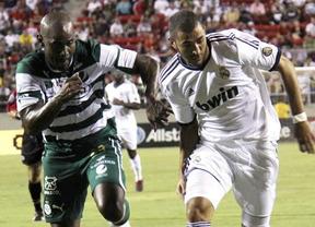 Un Madrid sin ajustar todavía sufre para ganar al Santos Laguna de México (2-1)