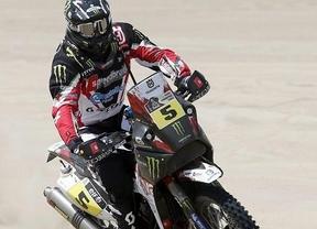 Cara y cruz en el Dakar: Barreda gana en motos y Sainz pierde 18 minutos en coches