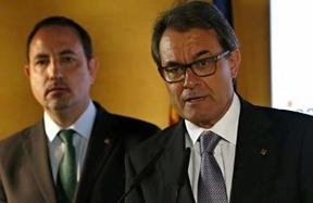 El conseller de Interior asegura que los Mossos y el Govern respetarán la legalidad si el Constitucional impugna la ley de consultas