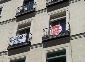 A los diputados les llaman ladrones... desde los balcones