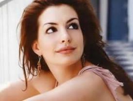 Anne Hathaway quiere ser mamá