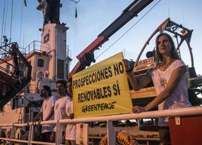 El pulso Gobierno-Canarias se tensa por el enfrentamiento de la Armada y Greenpeace